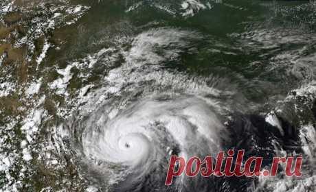Ученые: изменение климата делает ураганы более жестокими Ученые, изучающие физику погоды и атмосферы, обнаружили доказательства того, что изменение климата делает ураганы более жестокими, и с течением времени появляется более полная картина этой глобальной тенденции.