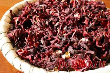 6 супер рецептов приготовления чая каркаде Напитки из каркаде просто магически красивы, а об их пользе можно написать целую книгу. Кроме традиционного способа заваривания чая из гибискуса, существует ещё немало интересных рецептов с цветами суданской розы...