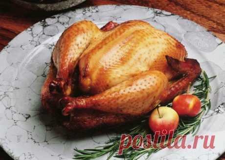 Чем натирают курицу шефы пять трюков, которые сделают запеченную птицу очень вкусной...