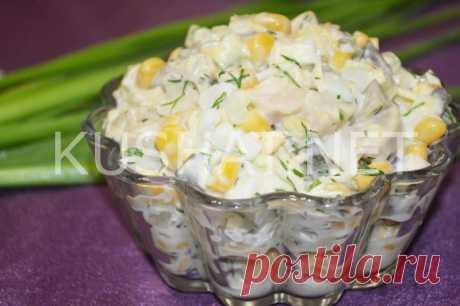 Салат с консервированными шампиньонами, сыром и кукурузой - Кушать нет