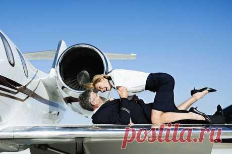 Небо, самолет, секс: 10 подлинных историй о том, как это бывает! — Карельские вести
