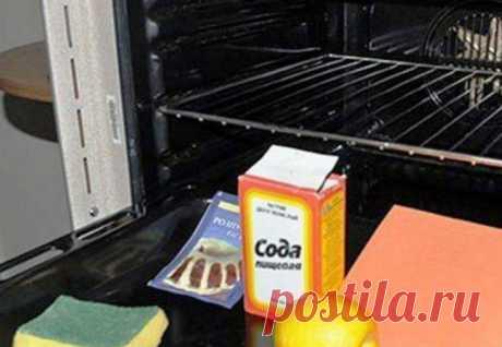 Ставим содовую смесь в духовку: через минуту внутри как новая