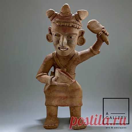 Фигура жреца с чашей и лопаткой, Веракрус (600-900 гг. н.э.)