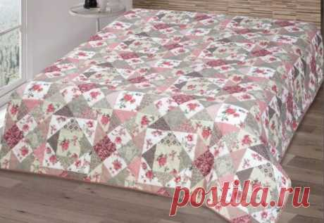 Лоскутное одеяло на кровать из кусочков ткани | Объемное красивое покрывало в технике пэчворк | Плед в стиле пэчворк из лоскутков ткани | Лучшие одеяла из полосок ткани на кровать