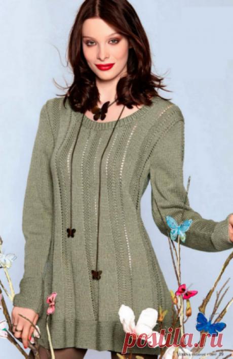 Женский пуловер с приталенным силуэтом Женский пуловер с приталенным силуэтом, вязаный спицами