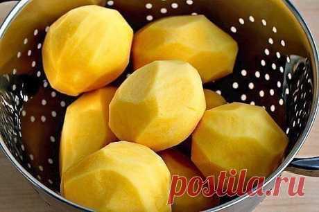 Ароматный картофель фри, запеченный в духовке.  Ингредиенты: - 8 больших картофелин - 2 яичных белка - микс сухих специй (паприка, чили, черный перец, соль, итальянская смесь трав) - оливковое масло  Способ приготовления: - Картофель помыть, почистить, порезать на дольки - Белки хорошенько взбить и вылить на картофельные долько, хорошенько их перемешать - Сверху засыпать миксом из специй и тщательно перемешать - Выложить на хорошо смазанный маслом противень - Выпекать при ...