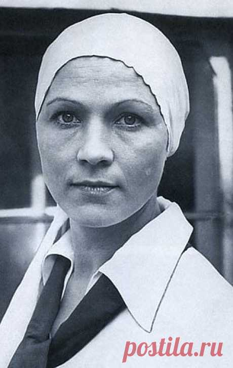 Nina Ruslanova. Creative biography