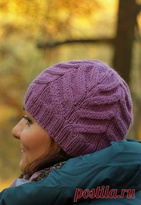 Шапка спицами рельефным узором. Женская зимняя шапка спицами схемы | Я Хозяйка