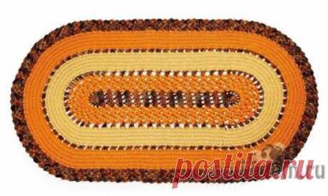 El tapiz oval para en casa tejido por el gancho\u000aLa descripción y el esquema por la referencia: http:\/\/povjazem.ru\/vyazanie-dlya-doma\/kovrik-sidushka\/ovalnyj-kover-kryuchkom-dlya-doma
