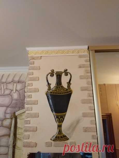 Ваза украшение встроенного шкафа в прихожей , работа Рашкована Александра
