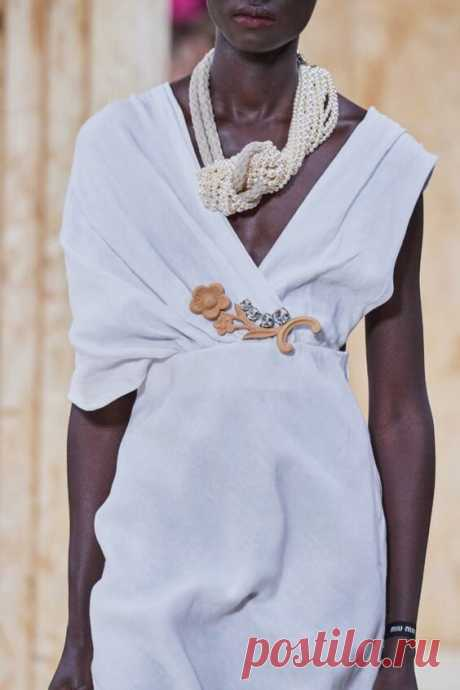 Что предлагают нам носить на шее дизайнеры в этом году! | МАТРИЦА МОДЫ! | Яндекс Дзен