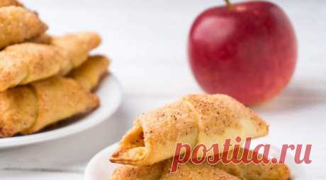 Легкие рогалики с яблочной начинкой: простой и легкий рецепт Румяные, ароматные и безумновкусные рогаликис пряной яблочной начинкой и сахарно-коричной корочкой. Простой и легкий рецепт выпечки на каждый день. Ароматные, румяные и превкусные получаются эти рогалики с пряной яблочной начинкой.Такая …
