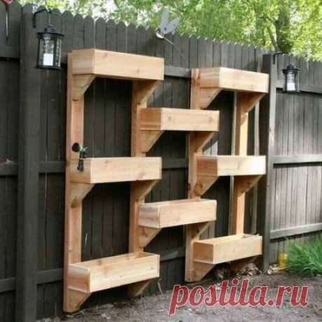 #СадовыеПостройки  Вертикальное расположение контейнеров. Дачная идея