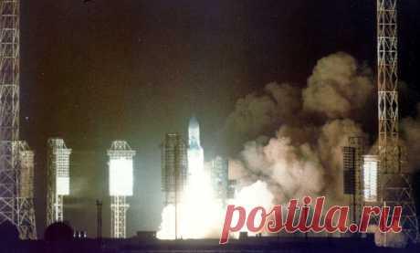 Многоразовая космическая система «Энергия» Ровно 30 лет назад — 15 мая 1987 года в космонавтике СССР начинался грандиозный прорыв в космос, до сих пор не осознанный и оцененный.