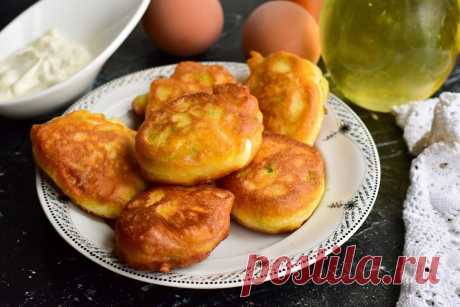 Ленивые оладьи на кефире с луком и яйцом - побалуйте домочадцев и удивите гостей Ленивые оладьи на кефире с луком и яйцом получаются вкусными, сытными и довольно пышными. Для их приготовления используются доступные ингредиенты.
