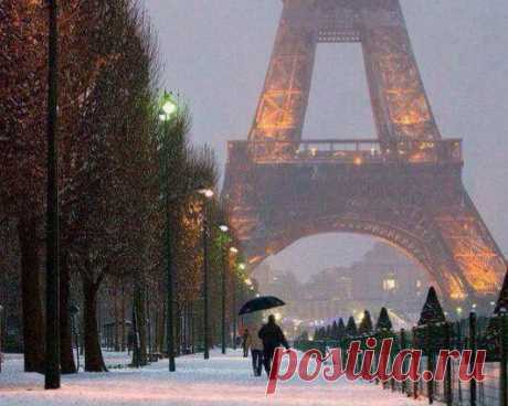 Snowy evening in Paris. Gabriele Corno