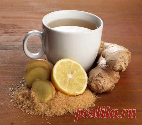 Имбирный чай: растворяет песок в почках и жир вокруг печени. Для приготовления имбирного чая вам понадобится:  натуральный мед; ¼ ч.л. молотой куркумы; ¼ ч.л. молотого имбиря; 1 стакан воды.  Простой способ приготовления имбирного чая: залейте порошок куркумы и имбиря кипятком, после чего накройте крышкой и дайте настояться 15-20 минут, добавьте мед. Затем процедите чай в чашку. В имбирный чай можно добавить разные специи - корицу, кардамон, гвоздику. Чай с имбирем хорошо ...