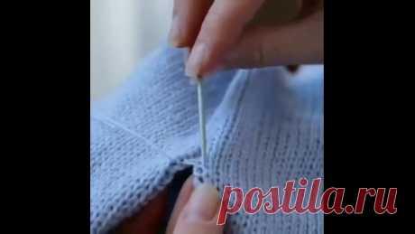 Аккуратный шов - легко   Вот несколько простых правил от автора: ⠀ Для сшивания используйте нить потоньше. Разделите нить из скрутки, либо используйте другую, подходящую по цвету. ⠀ Стежки прокладывайте между кромочными петлями и первым рядом лицевой глади. ⠀ Сохраните, чтоб не потерять! Ровных вам петелек!