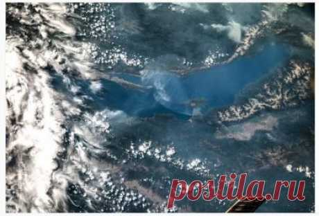 Вид сверху лучше: космонавт Олег Артемьев опубликовал фотографию озера Байкал » irkutsk-today.ru - онлайн новости Иркутска и Иркутской области