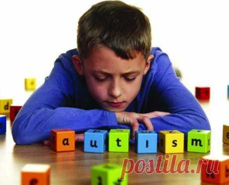 Как не пропустить «первые звоночки» аутизма у детей? / Малютка