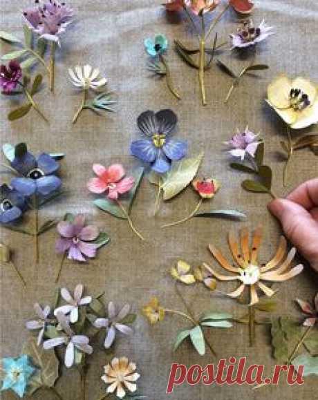 Little flower sculptures by Ann Wood
