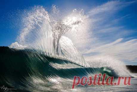 Красота океанских волн в фотографиях Мэтта Бёрджесса