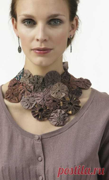 Колье из цветов йо йо. Цветы йо-йо из ткани своими руками для интерьера. Создание лицевой части одеяла