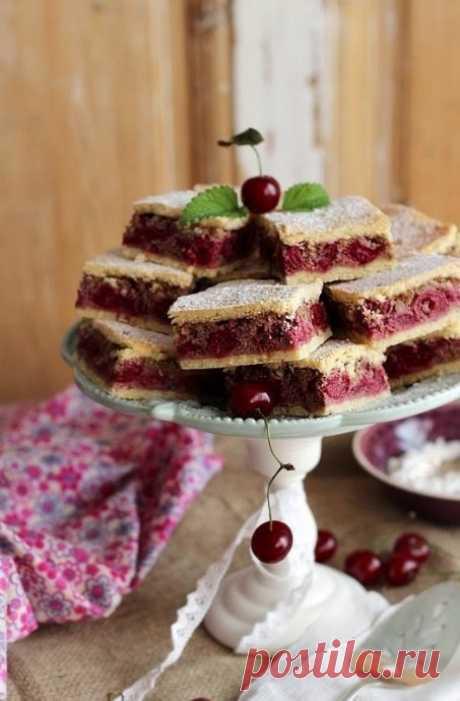 Вишневые пирожные