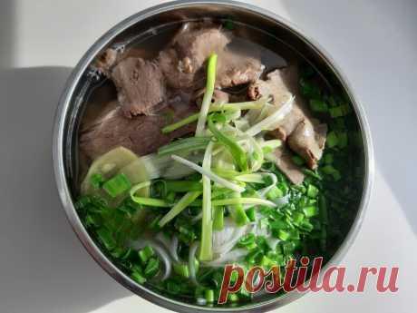 Как варить суп фо-бо: подробный рецепт со всеми секретами. Рассказывает Занг Нгуен, шеф сети Lao Lee | Вечерний Лошманов | Яндекс Дзен