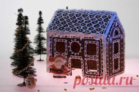 Как построить пряничный дом. Подробное руководство Маленький домик на подоконнике, подмигивающая свечка, запах сосновых иголок – вот оно, Рождество