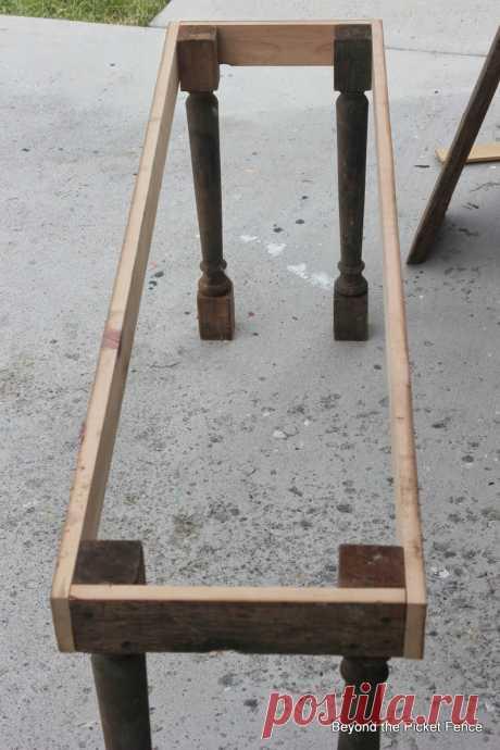 За забором из штакетника: как сделать скамейку из Мелиорированного дерева / журнальный столик