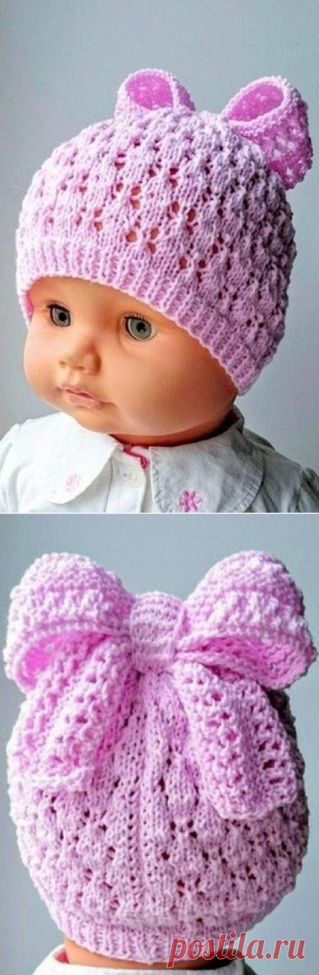 Детская шапочка, связанная ажурной вязкой спицами – Вяжем тут