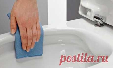 Как почистить унитаз за пару минут домашним средством — трюк соседа-сантехника!