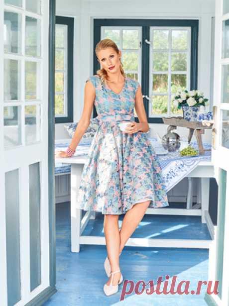 ecf7a68de93 Платье с v-образным вырезом горловины - выкройка № 114 B из журнала 2