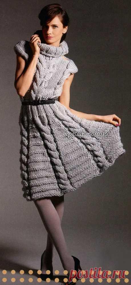 Креативное вязание. Платье с косами. Описание, схемы, выкройка Очень интересное платье, вязанное спицами крупными косами.  Размеры: 36/38 (40/42) Вам потребуется: 1300 (1400) г серой пряжи Schachenmayr select SAVANTI (100% шерсти, 30 м/50 г); круговые спицы № 15 длиной 100,80 и 60 см; круговые спицы № 8 длиной 60 см; вспом.