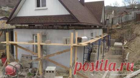 Одноэтажному дому надстроили второй этаж, неразбирая готовую крышу. Как это удалось? | REALTY.TUT.BY