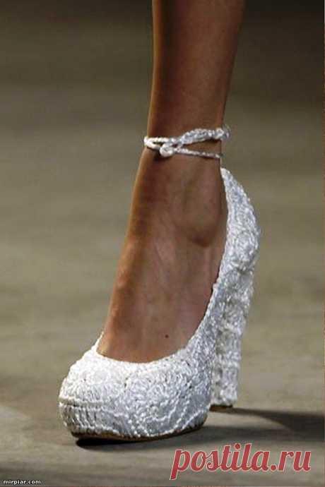 туфли с обвязкой с какого-то показа