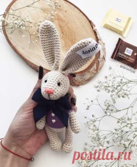 PDF Пасхальный Кролик. Бесплатный мастер-класс, схема и описание для вязания игрушки амигуруми крючком. Вяжем плюшевого бегемота своими руками! FREE amigurumi pattern. #амигуруми #amigurumi #схема #описание #мк #pattern #вязание #crochet #knitting #toy #handmade #поделки #pdf #рукоделие #кролик #заяц #зайчик #зайка #пасха #пасхальный #hare #rabbit #Easter