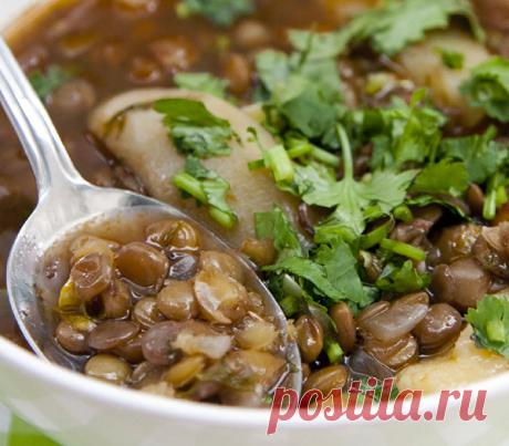 Чечевица придает блюдам особый вкус, быстро готовится и не оставляет ощущения тяжести в желудке.