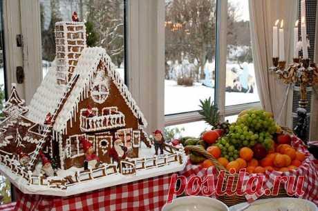 Новогодняя и Рождественская выпечка: идеи и рецепты Согласитесь, что традиционная новогодняя и рождественская выпечка является украшением праздничного стола в этот день. Сделайте свой праздник красочным!