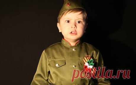 """Юный певец покорил Интернет исполнением песни """"Священная война"""" Sputnik Молдова говорит то, о чем другие молчат"""