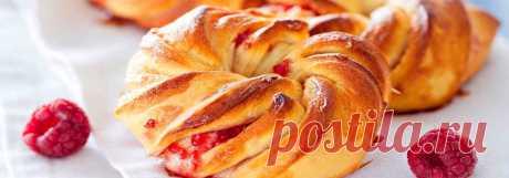 Витые булочки с малиновым джемом • Рецепт Вкусные и пышные домашние витые булочки с малиновым джемом из дрожжевого теста. Испеките в духовке красивую, праздничную выпечку с начинкой по этому проверенному рецепту.