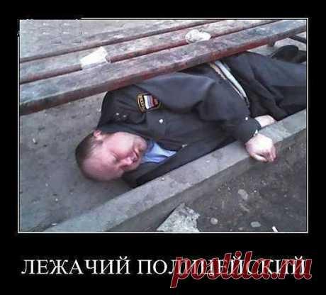 """В РФ введен новый стандарт """"лежачего полицейского"""" )"""