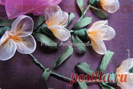 Мастер-класс по вышивке лентами: Цветы из органзы. Мелкие цветочки