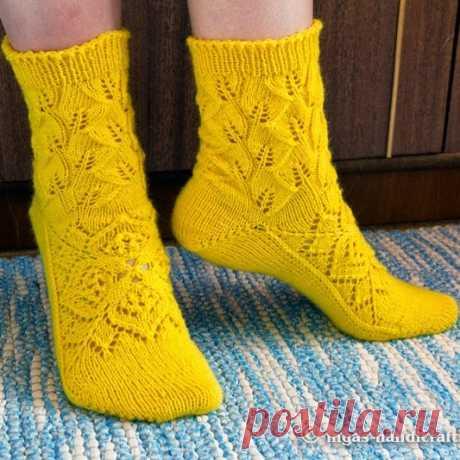 Как связать ажурные носки спицами. Много мк