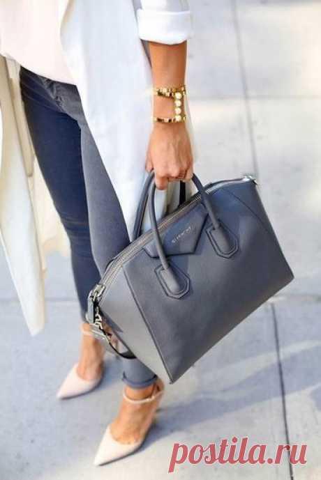 Ваша манера носить сумочку расскажет о вас без слов, 7 вариантов   Стиль в одежде   Яндекс Дзен