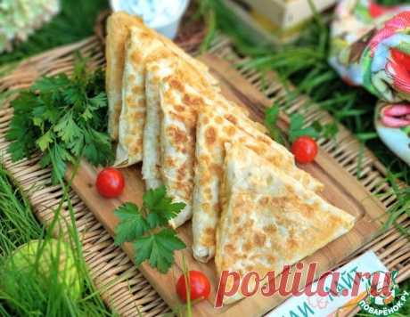 Треугольники из лаваша с индейкой и сыром – кулинарный рецепт