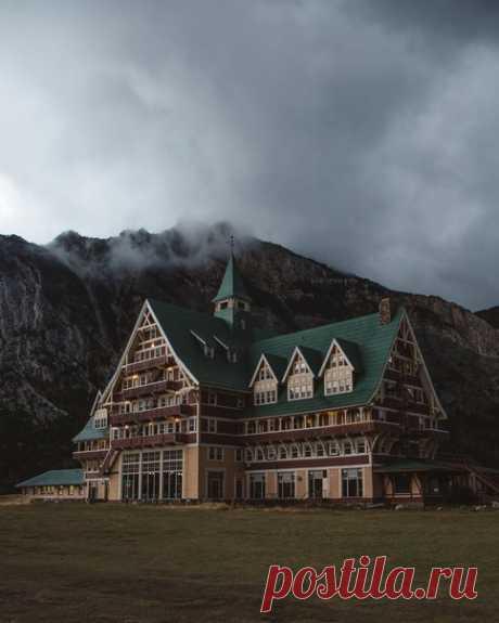 Отель в Уотертон-парке, Канада