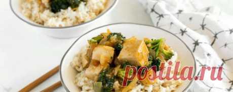 Веганский салат с брокколи и тофу в чесночном соусе - Моя живая еда