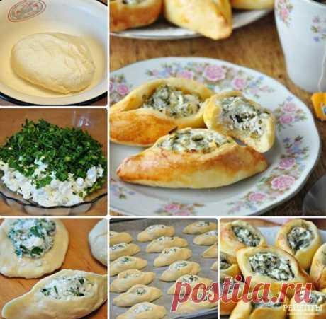 Погача (восточные пирожки) с сыром Фета. Пирожки получаются маленькие, на один укус, и легко помещаются в ладошке. Хороши они как перекус, к чаю, можно брать с собой на работу на обед, ребёнку в школу, на пикник. Вам потребуется: ТЕСТО: Масло сливочное - 100 гр., Кефир - 1 стакан (200 мл.) Яйцо (белок) - 1 шт., Мука - 2,5 - 3 стакана, Разрыхлитель для теста - 1 ч. л., Соль - щепотка НАЧИНКА: Сыр Фета - 250 гр., Петрушка - 50 гр. 1 желток - для смазывания изделий. Как готов...